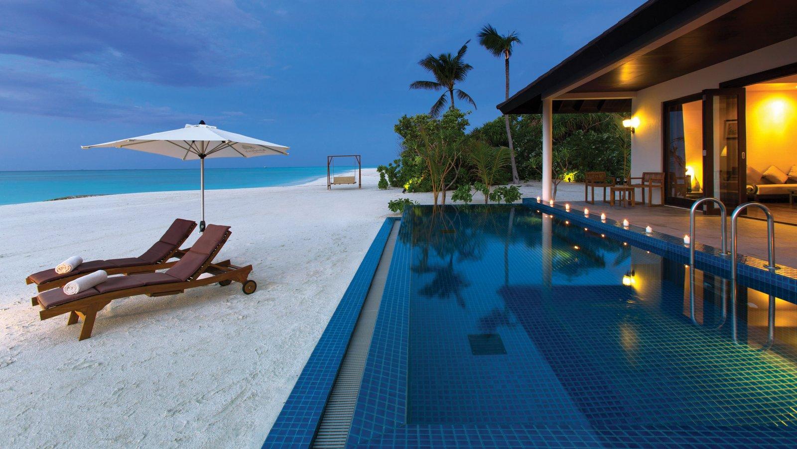 Мальдивы, отель Atmosphere Kanifushi Maldives, номер Sunset Beach Villa with Pool