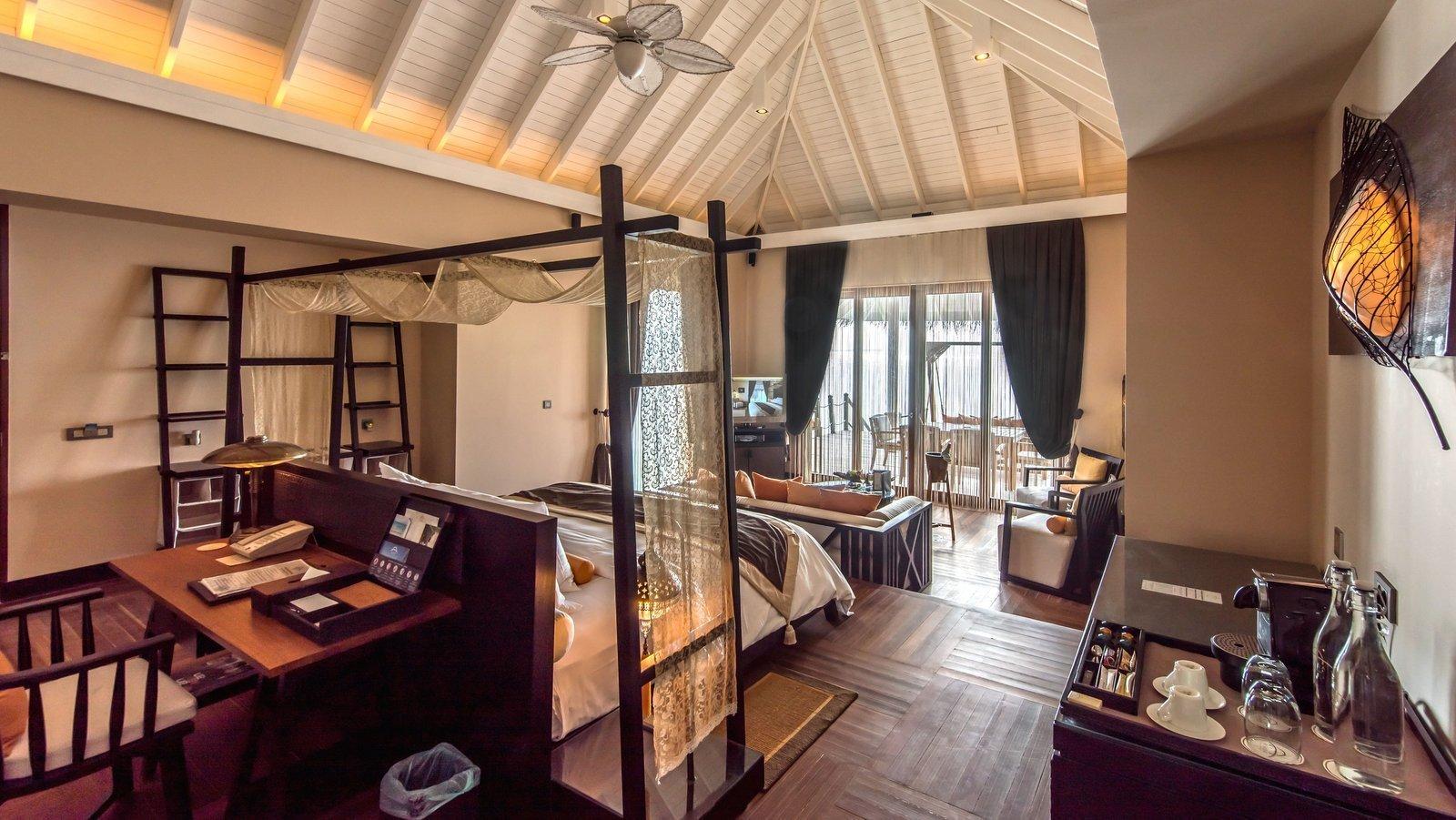 Мальдивы, отель Ayada Maldives, номер Sunset Lagoon Suite with Pool