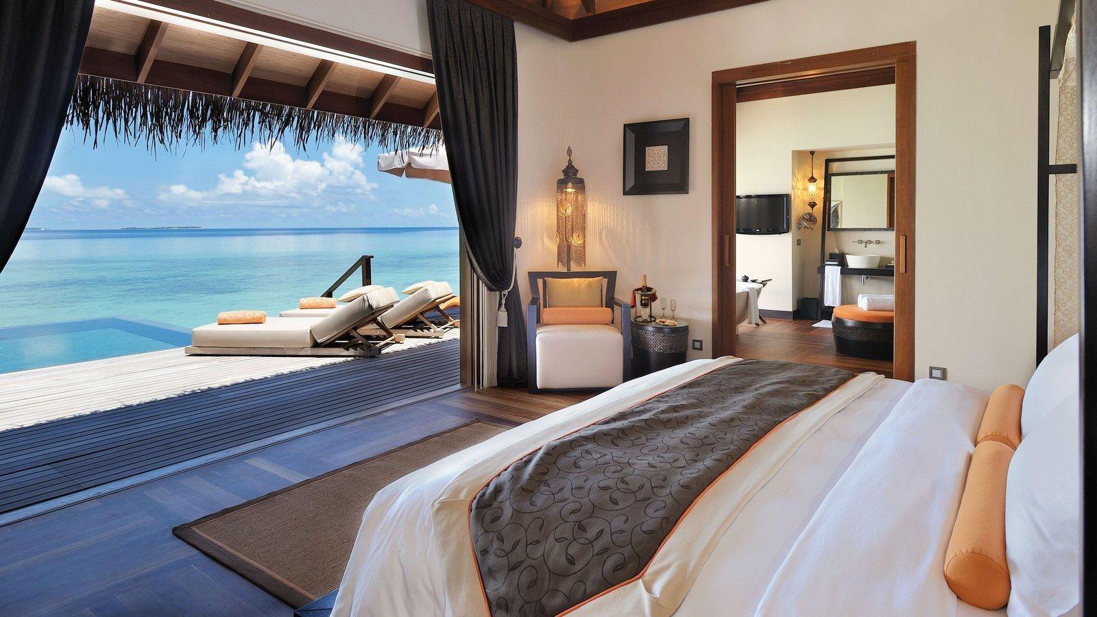 Мальдивы, отель Ayada Maldives, номер Sunset Ocean Suite with Pool