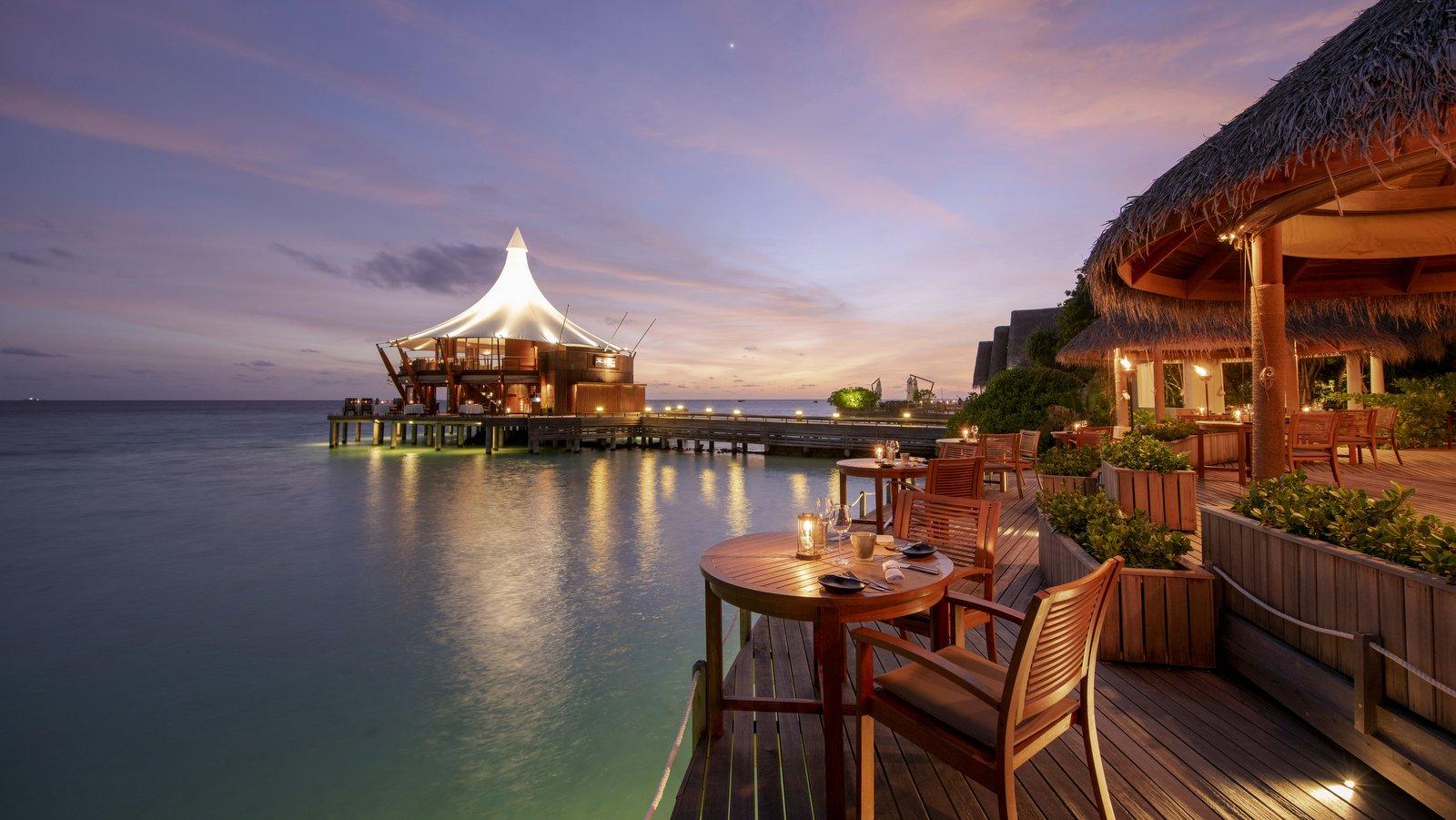 Мальдивы, отель Baros Maldives, ресторан Cayenne