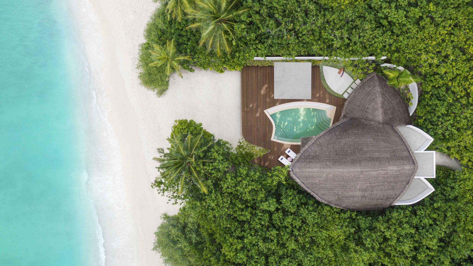 Мальдивы, отель JW Marriott Maldives Resort, номер Beach Pool Villa