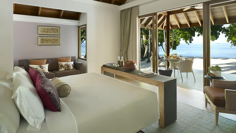 Мальдивы, отель Dusit Thani Maldives, номер Beach Villa