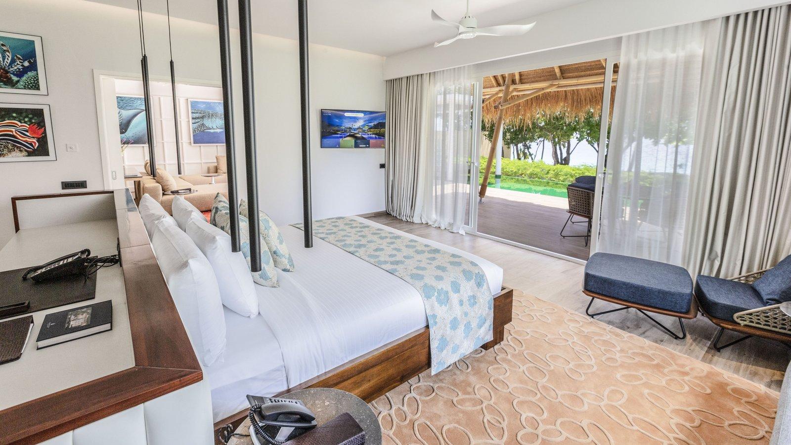 Мальдивы, отель Emerald Maldives Resort & Spa, номер Superior Beach Villa with Pool