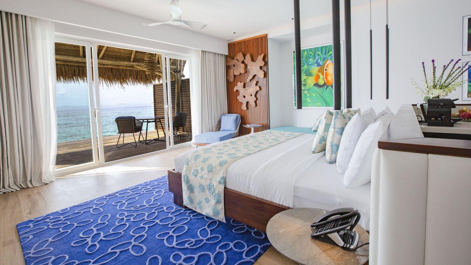 Мальдивы, отель Emerald Maldives Resort & Spa, номер Jacuzzi Water Villa