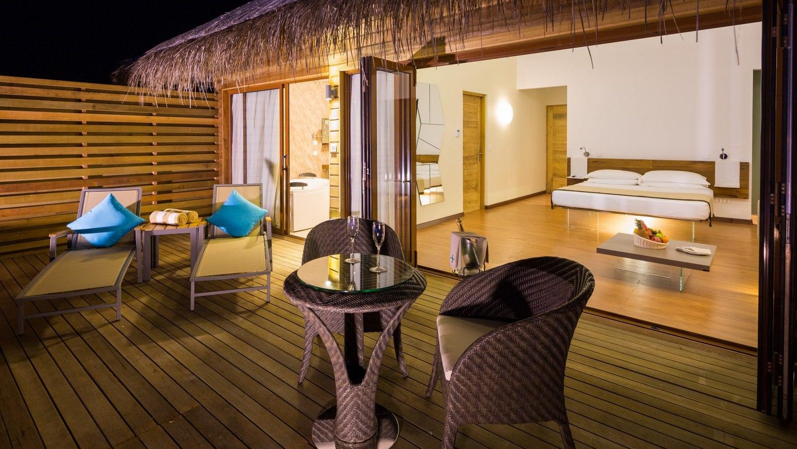 Мальдивы, отель Cocoon Maldives, номер Lagoon Suite Pool