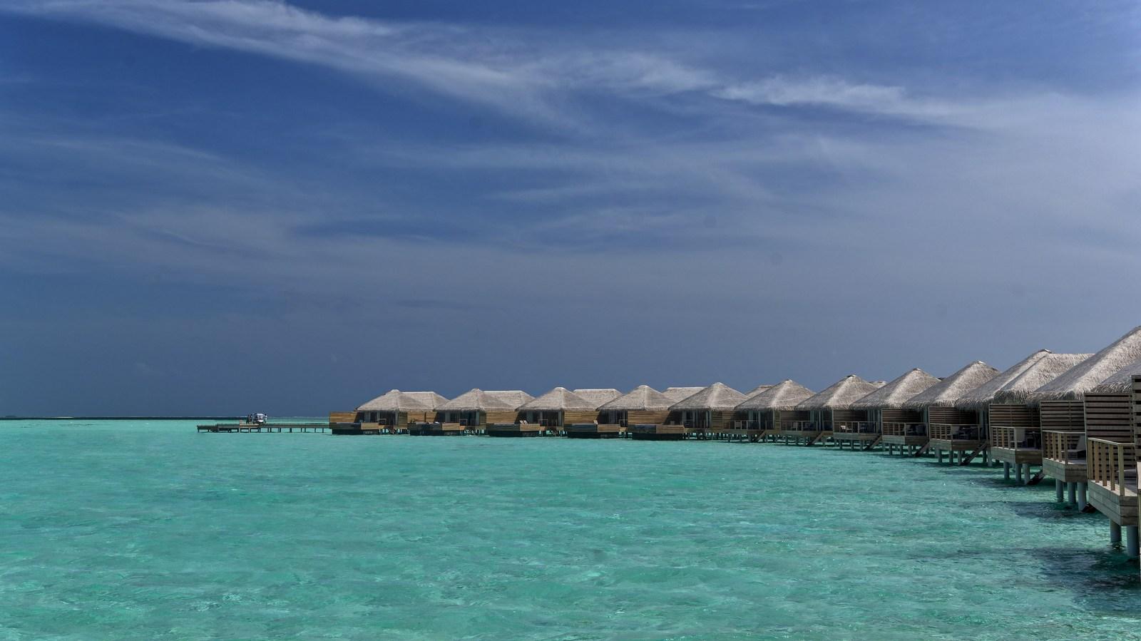 Мальдивы, отель Cocoon Maldives, номер Lagoon Suite