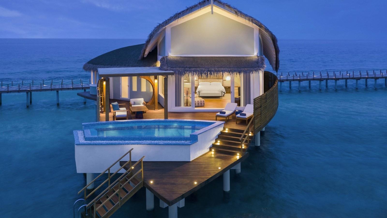 Мальдивы, отель JW Marriott Maldives Resort, номер Over Water Pool Villa