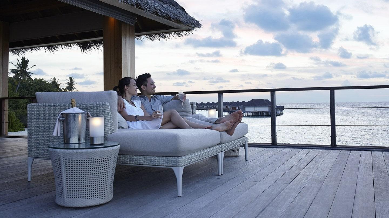 Мальдивы, отель Dusit Thani Maldives, бар Sala