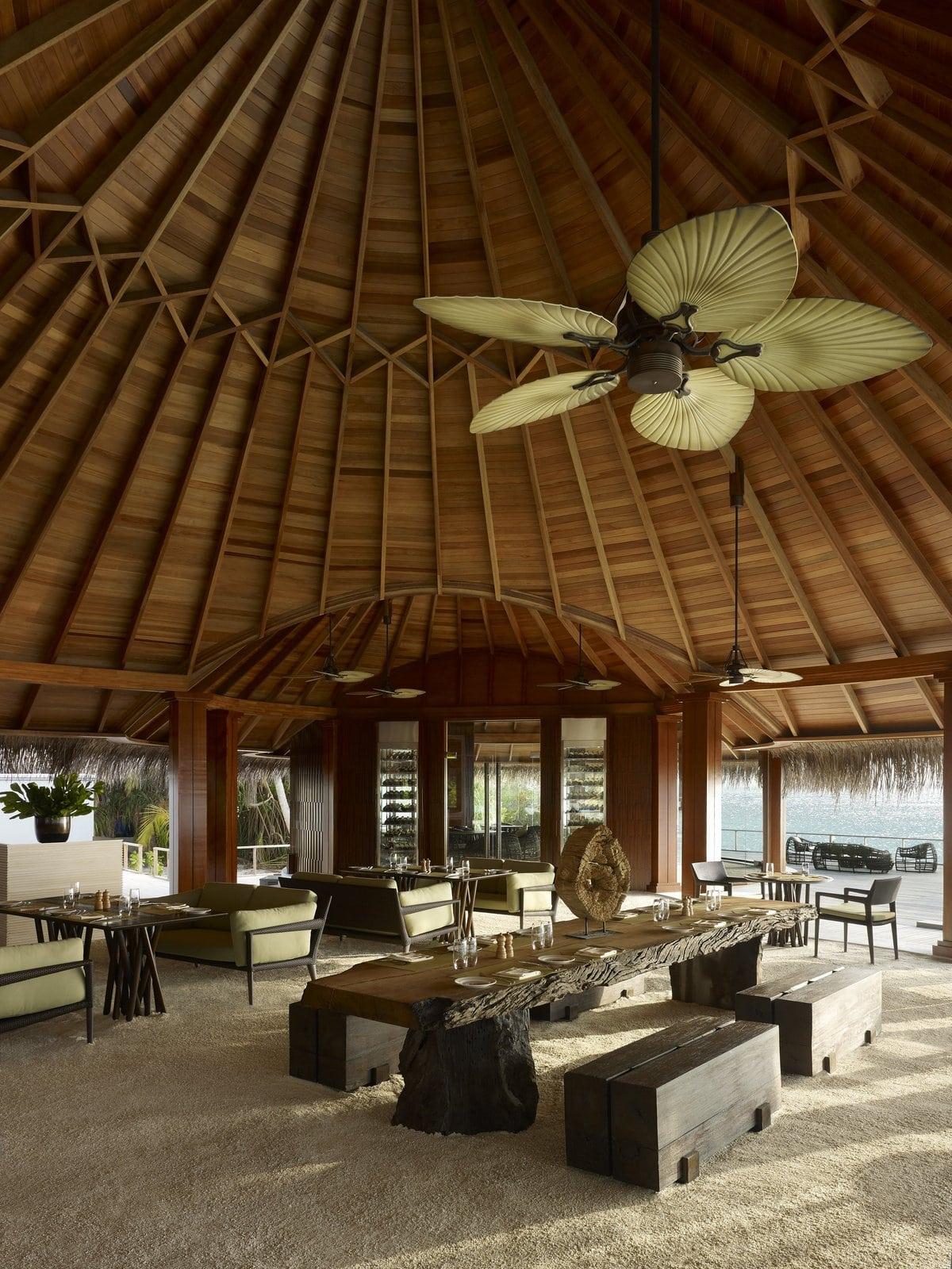 Мальдивы, отель Dusit Thani Maldives, ресторан Sea Grill
