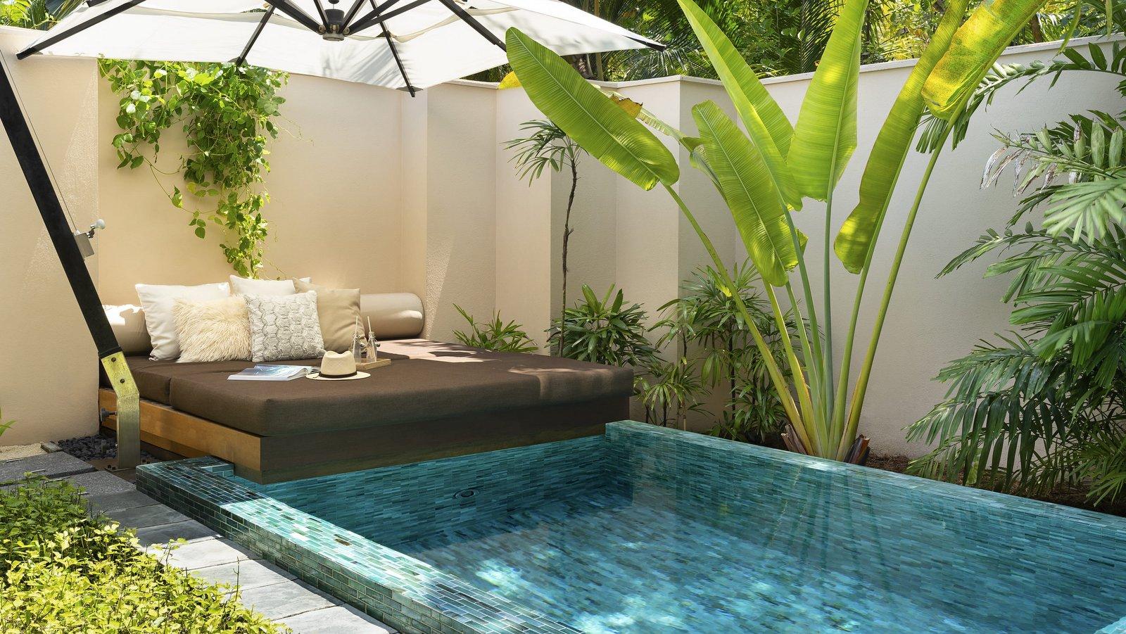 Мальдивы, отель Huvafen Fushi Maldives, номер Beach Bungalow with Pool