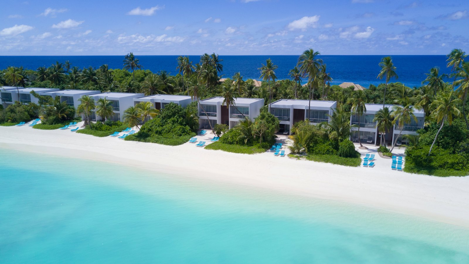 Мальдивы, отель Kandima Maldives, номер Sky Studio/Beach Studio
