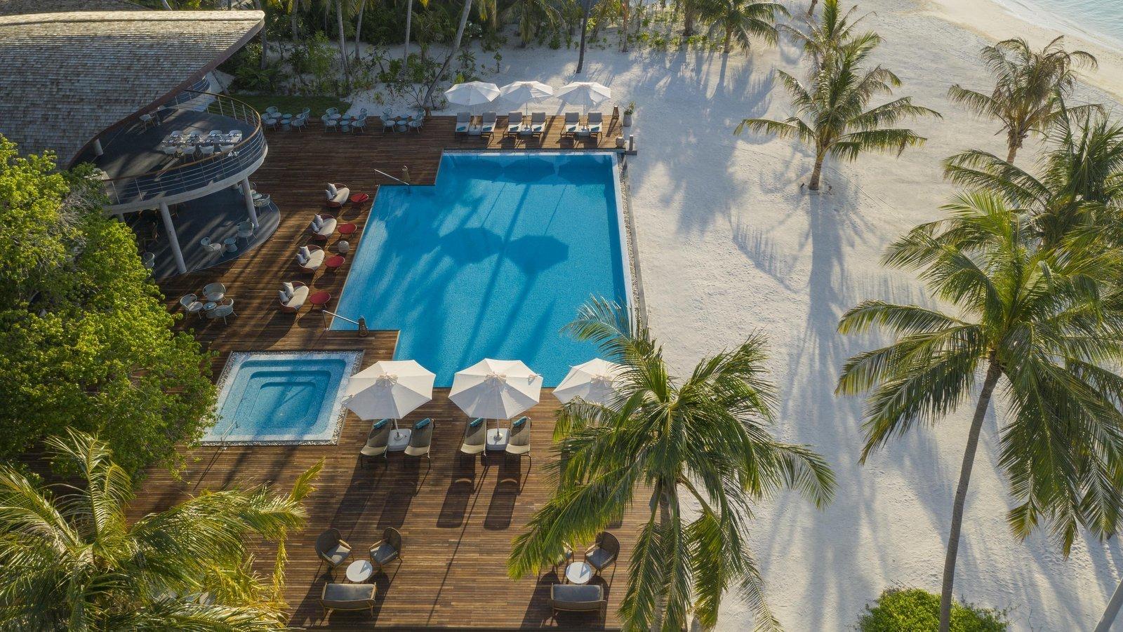 Мальдивы, отель LTI Maafushivaru Maldives, Water Bar