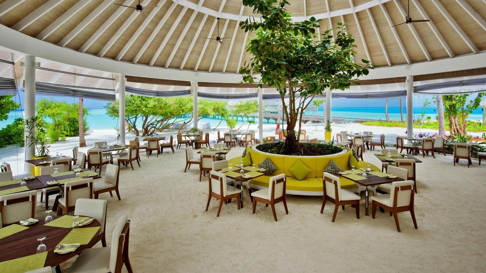 Мальдивы, отель Kandima Maldives, ресторан Zest