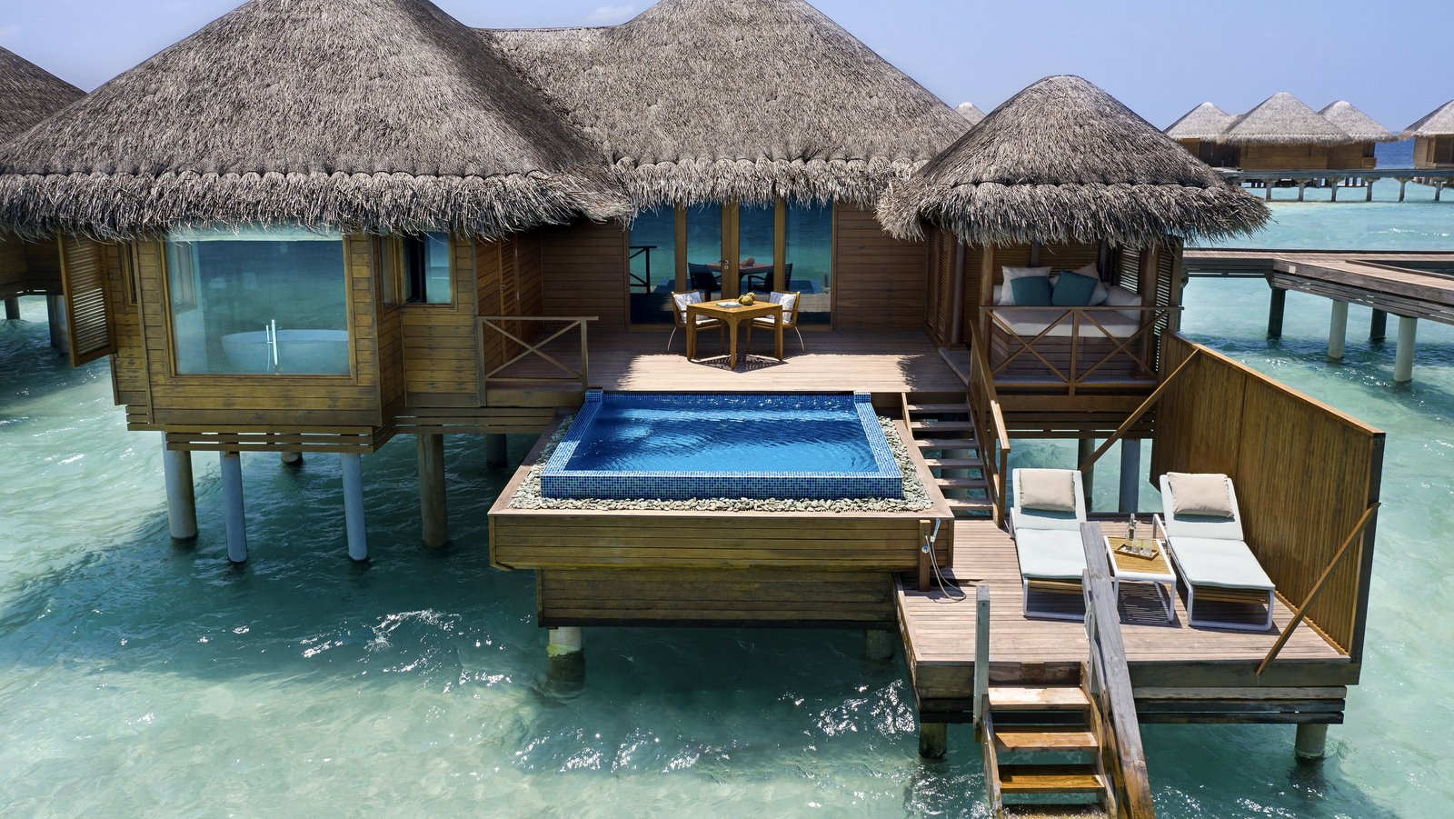Мальдивы, отель Huvafen Fushi Maldives, номер Lagoon Bungalow with Pool