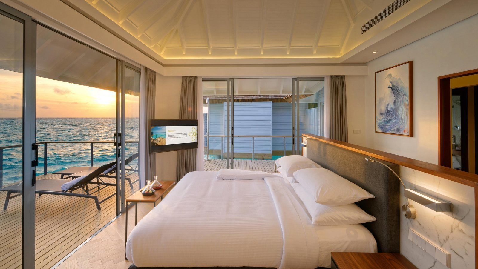 Мальдивы, отель LTI Maafushivaru Maldives, номер Water Villa