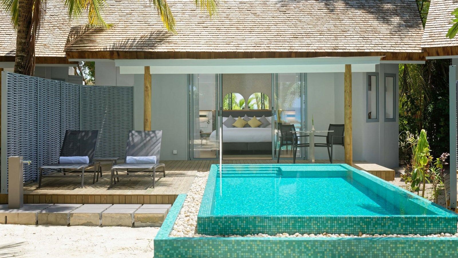 Мальдивы, отель LTI Maafushivaru Maldives, номер Beach Pool Villa