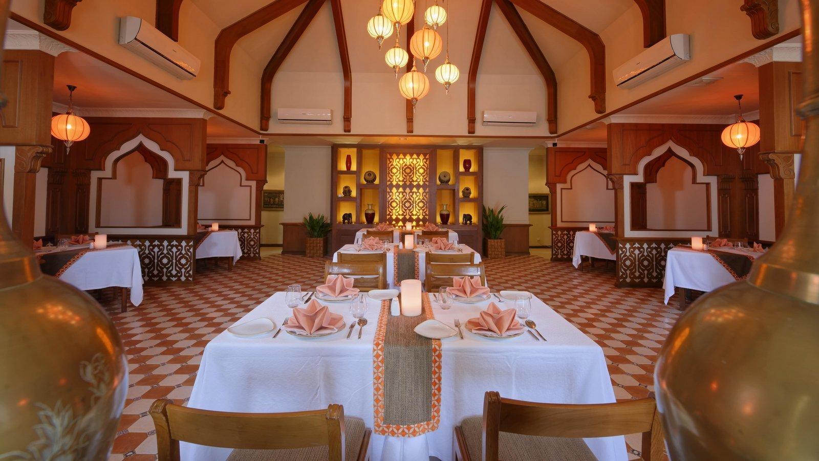 Мальдивы, отель Kurumba Maldives, ресторан Al Qasr