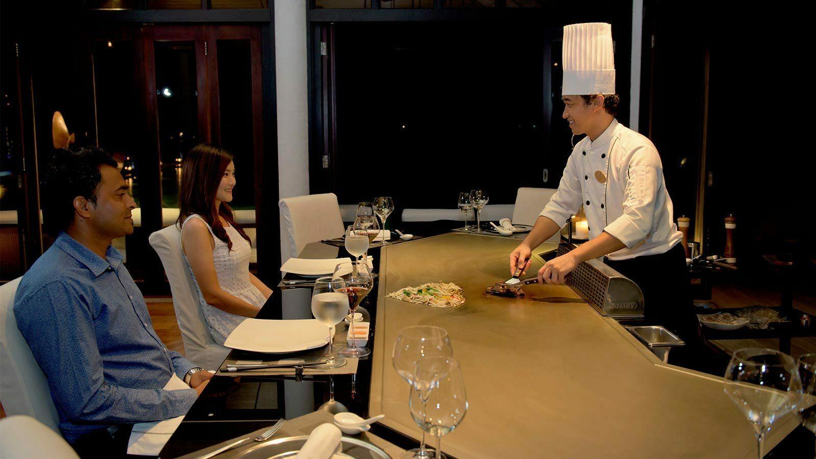 Мальдивы, отель Lily Beach Resort, ресторан Teppanyaki