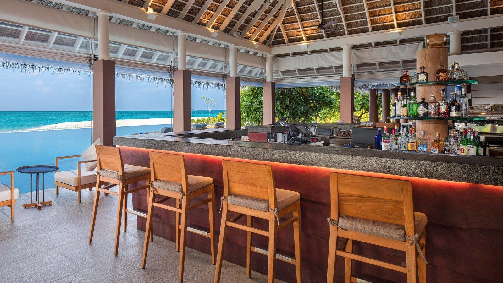 Мальдивы, отель Heritance Aarah, Bandi Bar