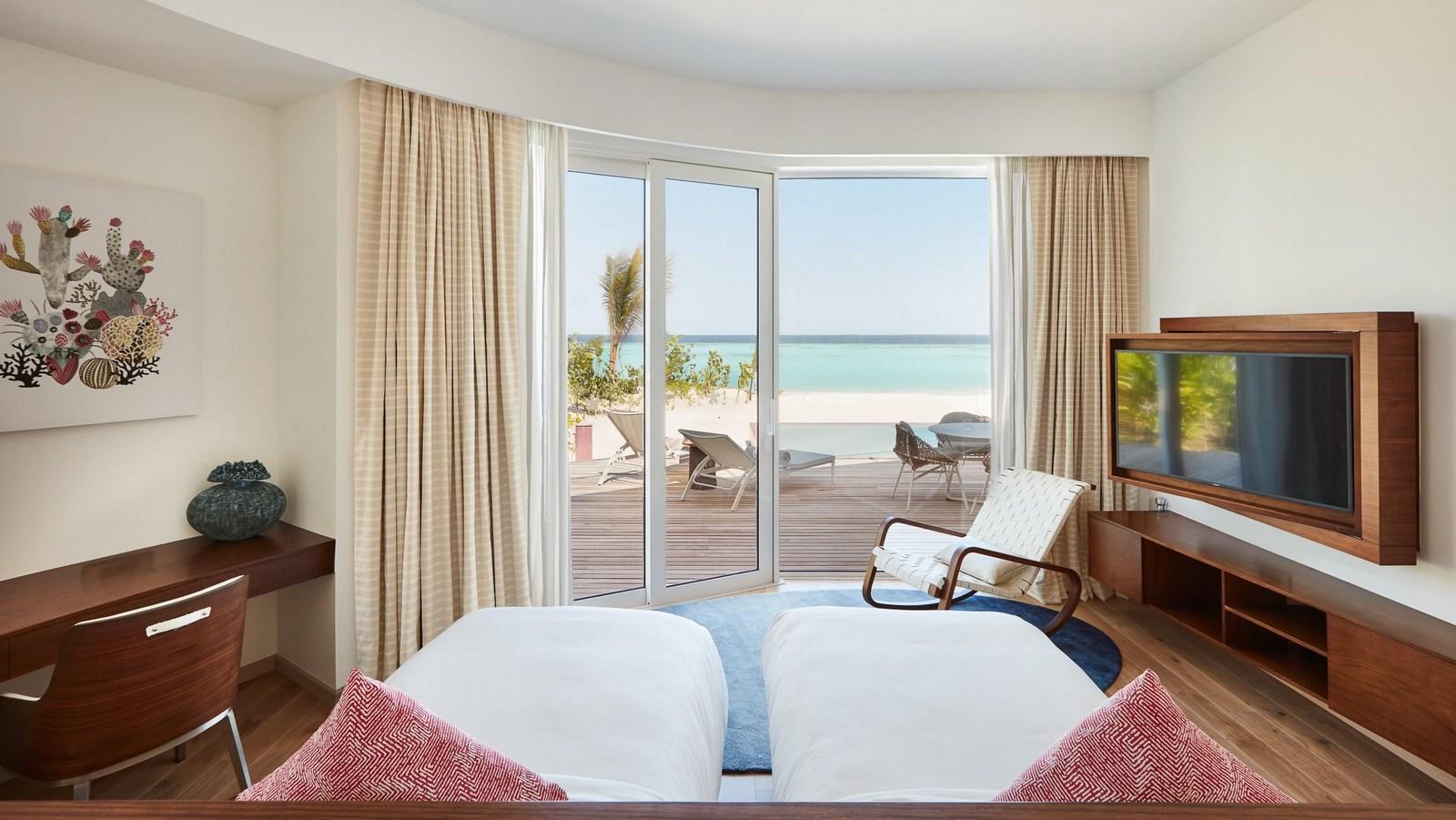 Мальдивы, отель LUX North Male Atoll, номер Beach Residence 2 Bedroom with Pool