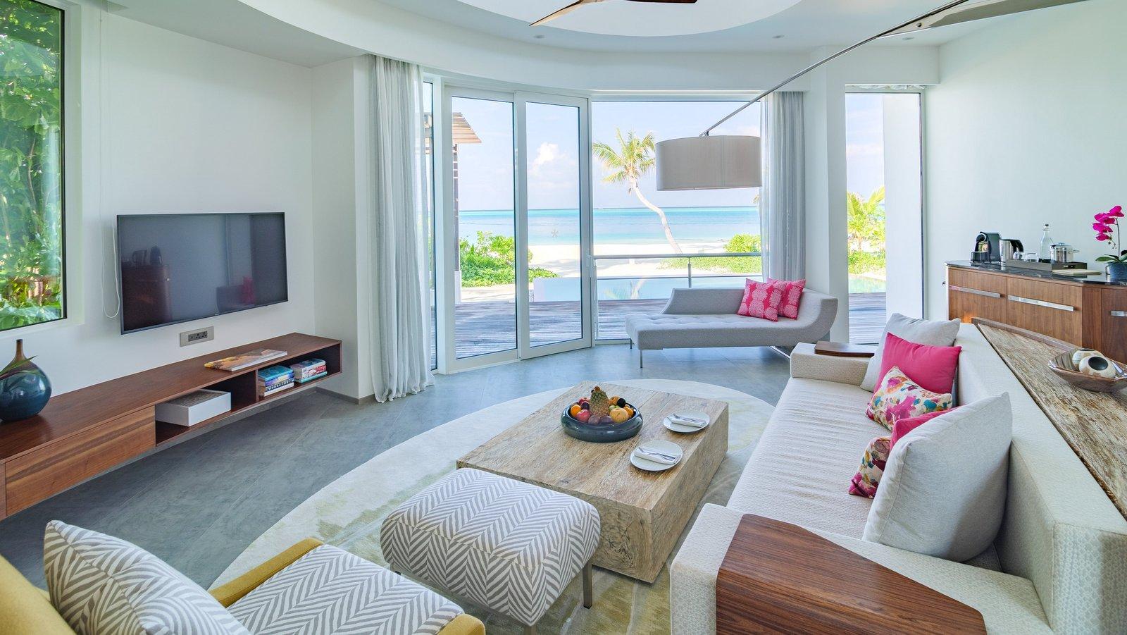 Мальдивы, отель LUX North Male Atoll, номер Beach Villa with Pool