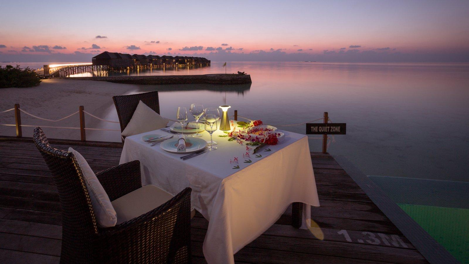 Мальдивы, отель Lily Beach Resort, ресторан Le-Turquoise
