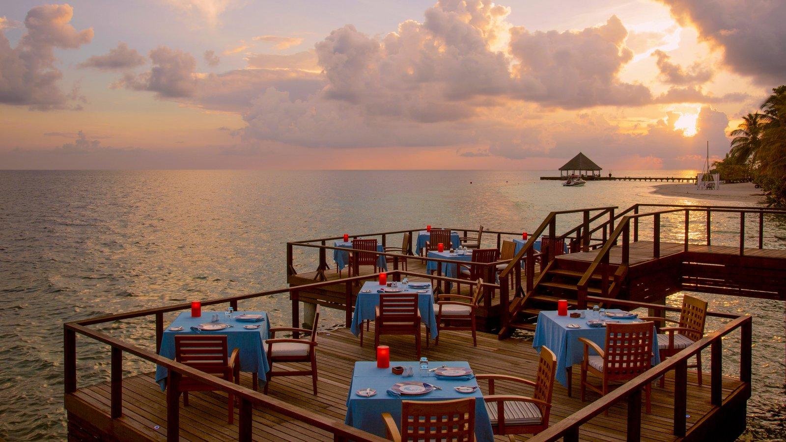 Мальдивы, отель Coco Palm Bodu Hithi, ресторан AQUA