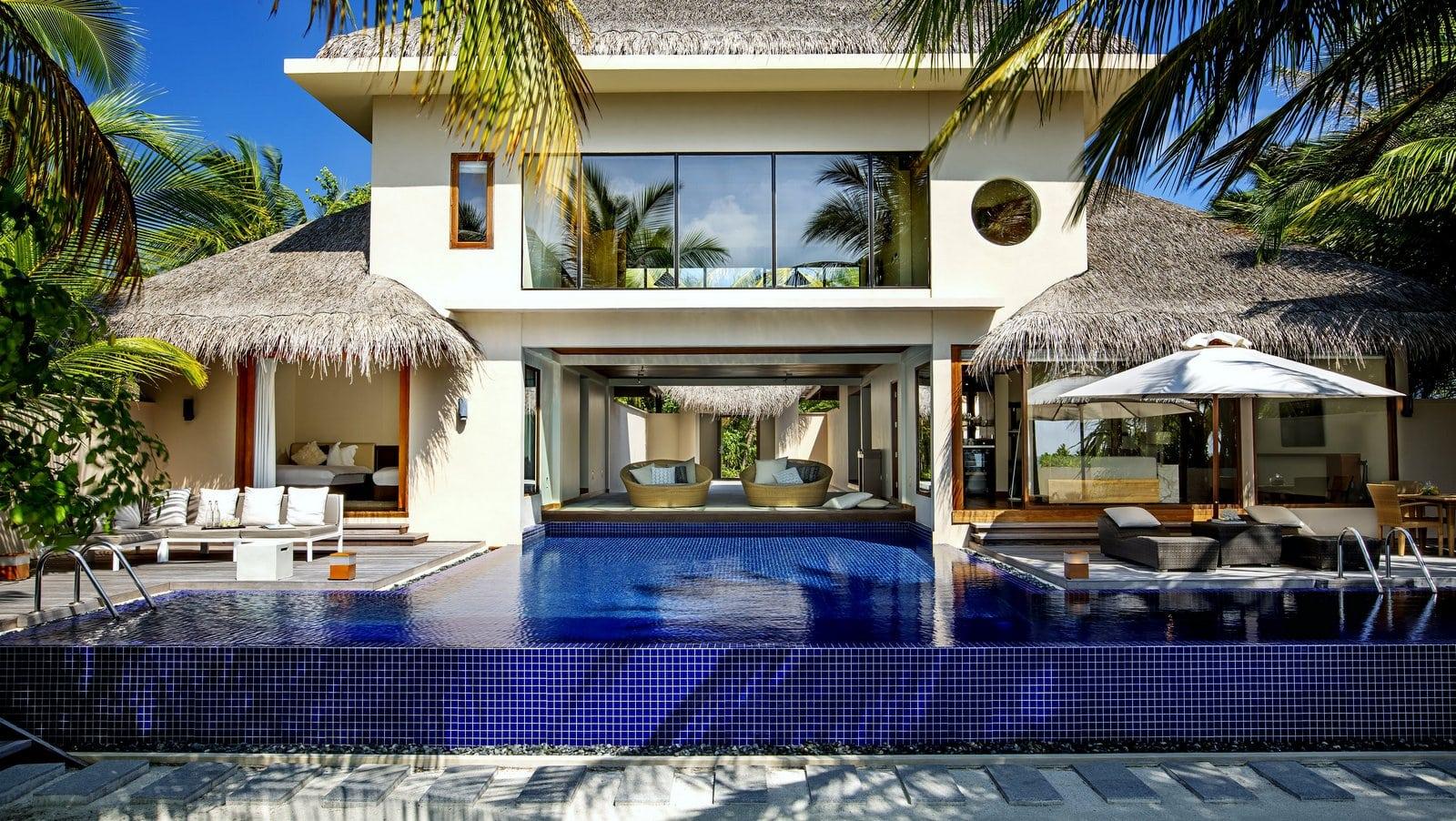 Мальдивы, отель Huvafen Fushi Maldives, номер Two Bed Room Beach Pavilion with Pool