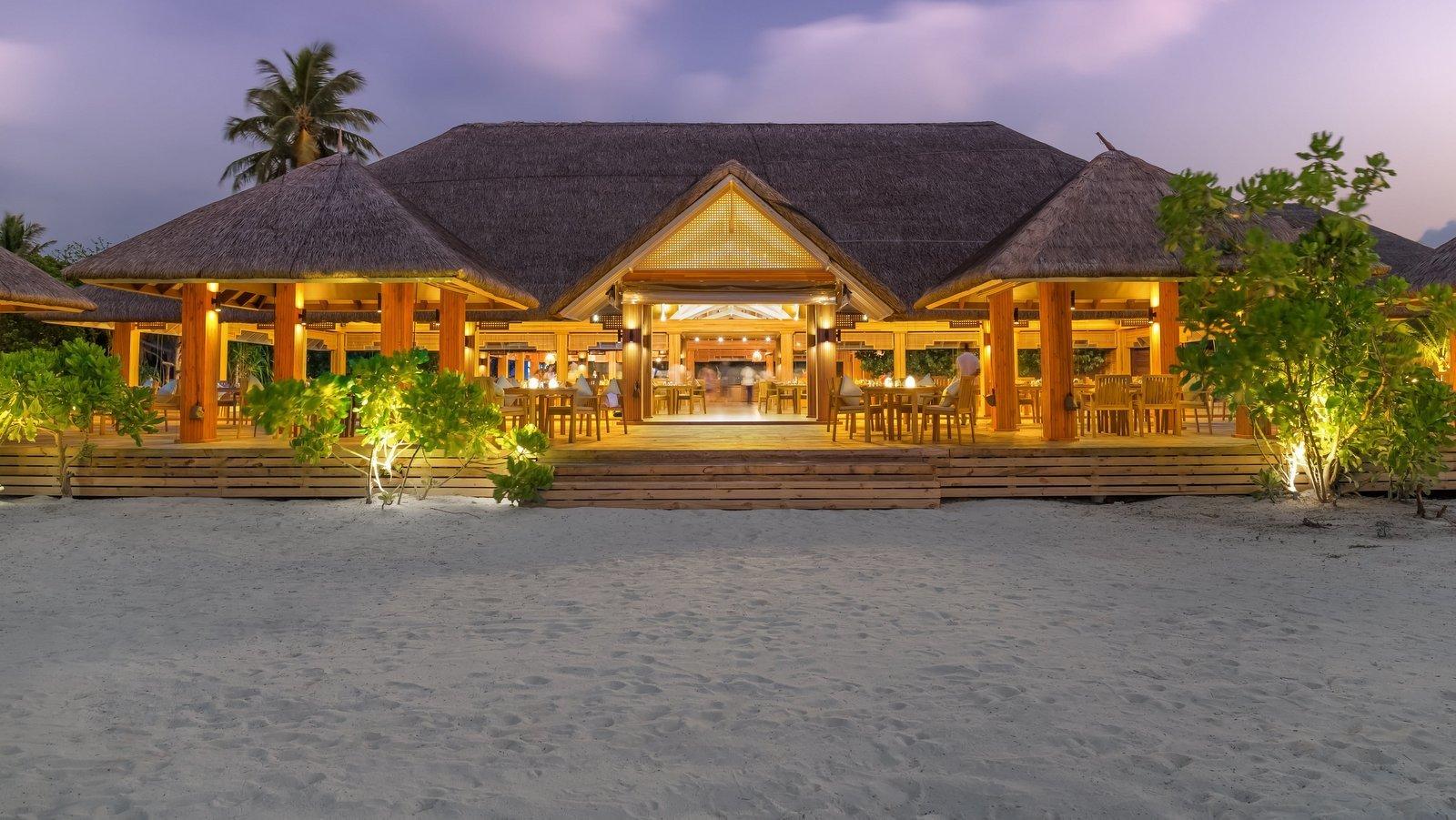 Мальдивы, отель Kudafushi Resort, ресторан