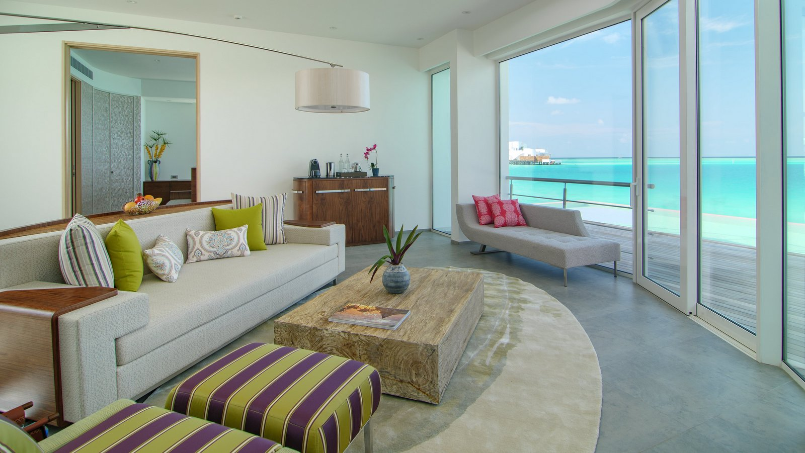 Мальдивы, отель LUX North Male Atoll, номер Deluxe Water Villa with Pool