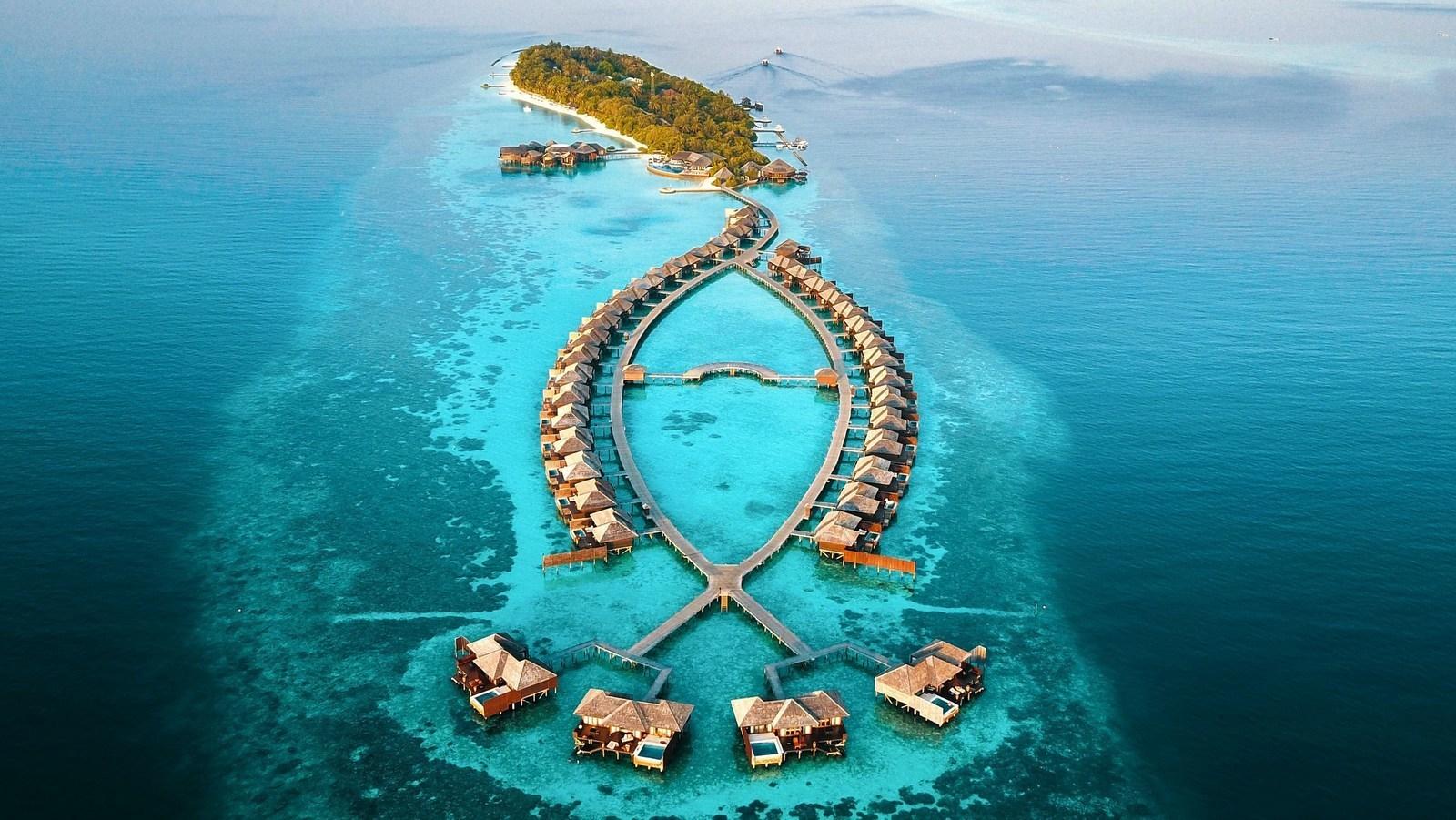 Мальдивы, отель Lily Beach Resort