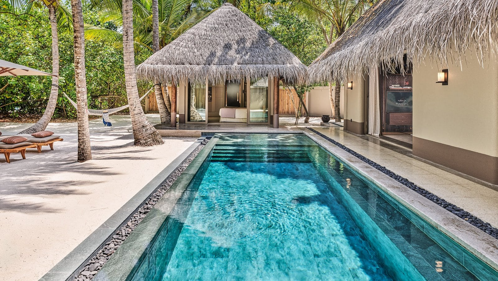 Мальдивы, отель Joali Maldives, номер Family Beach Villa with two pools