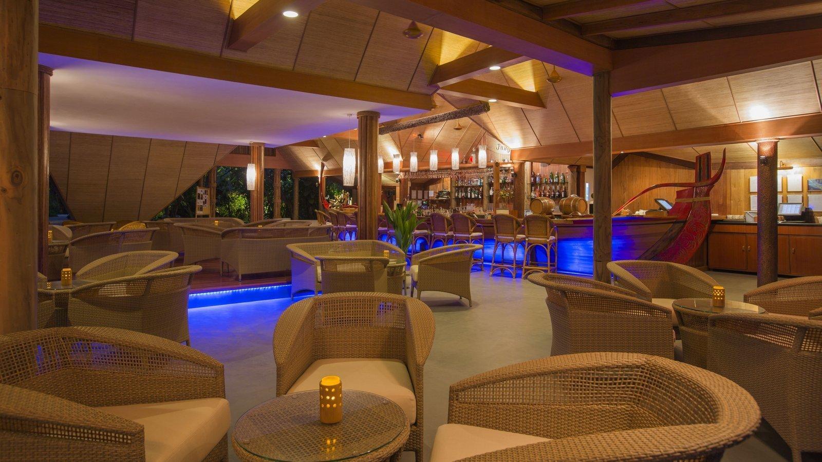 Мальдивы, отель Kuramathi Maldives, бар Fung