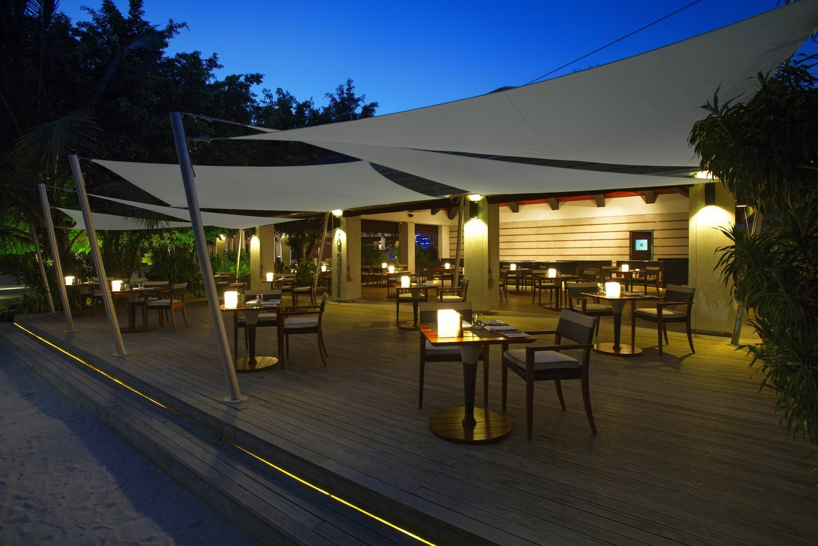 Мальдивы, отель Velassaru Maldives, FEN BAR
