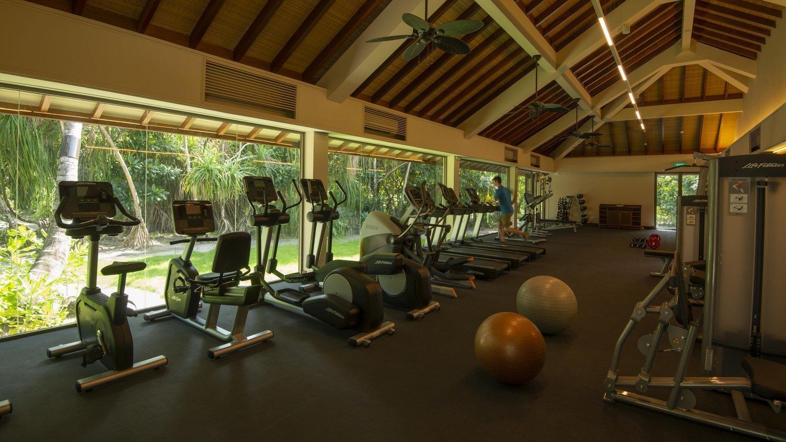 Мальдивы, отель The Residence Maldives at Dhigurah, фитнес центр