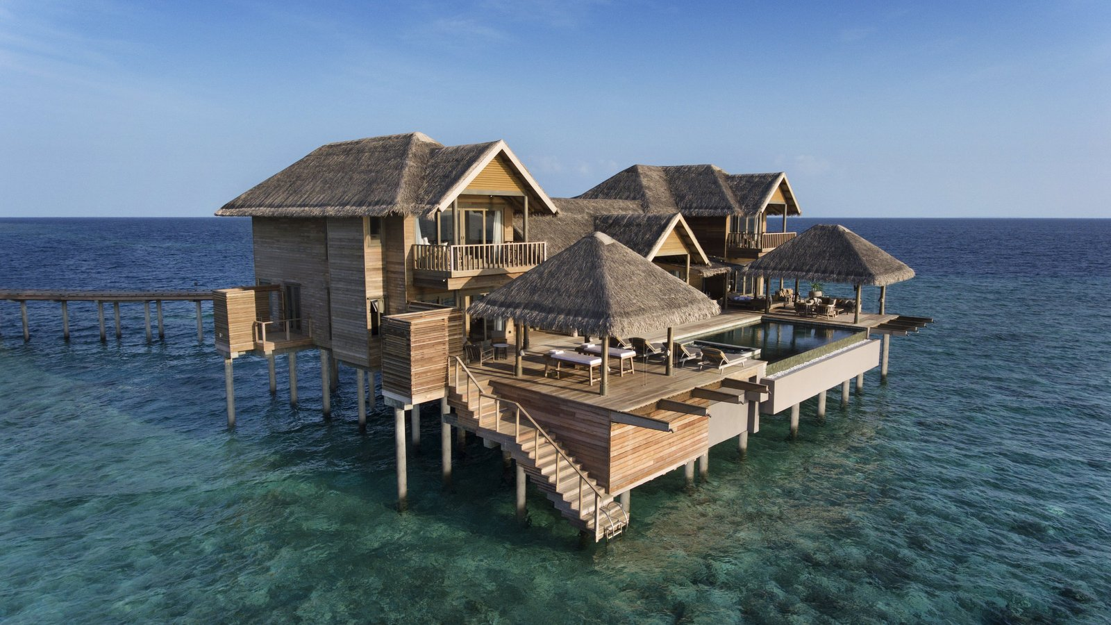 Мальдивы, отель Vakkaru Maldives, номер The Vakkaru Over Water Residence