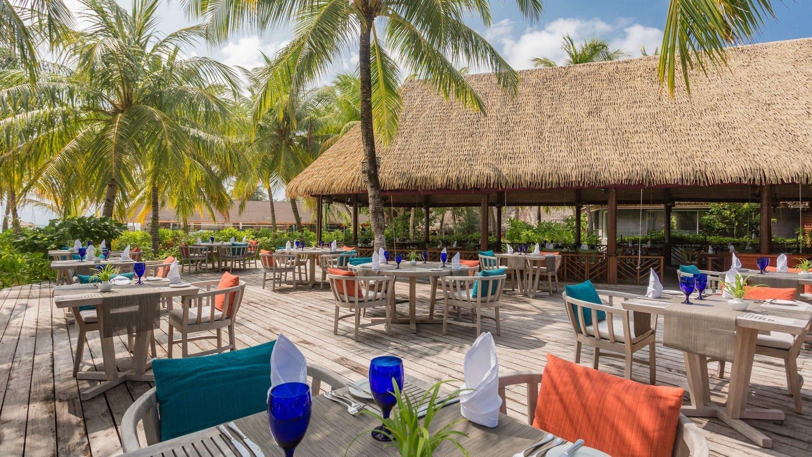 Мальдивы, отель Kuredu Island Resort, ресторан Franco's