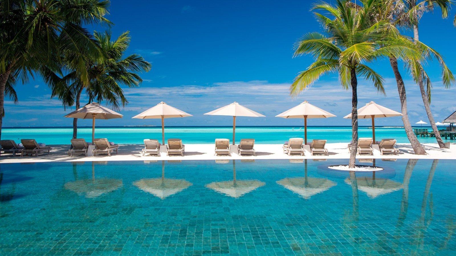 Мальдивы, отель Gili Lankanfushi Maldives, бассейн