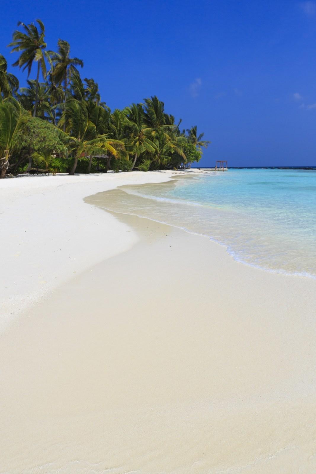 Мальдивы, отель Kurumba Maldives, пляж
