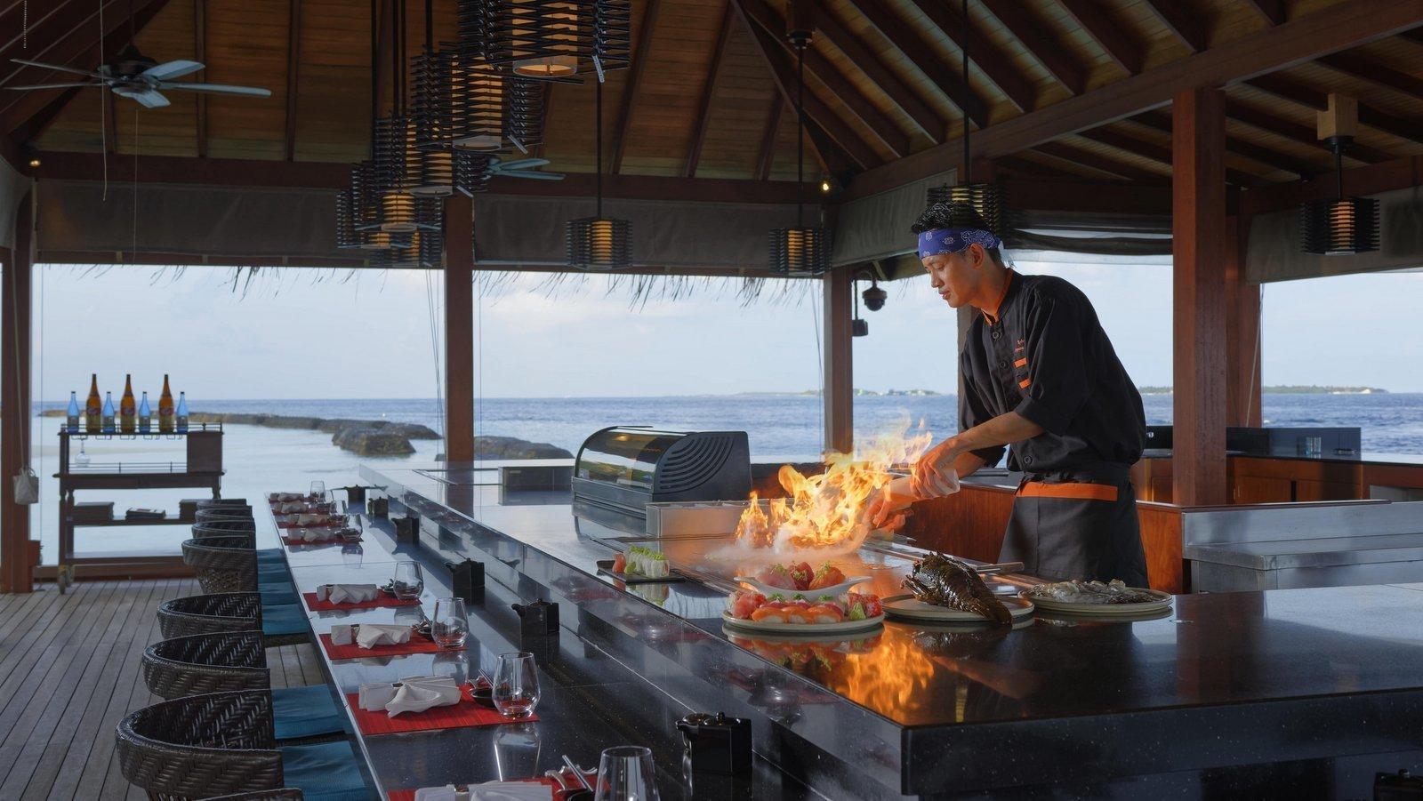 Мальдивы, отель Kurumba Maldives, ресторан Hamakaze