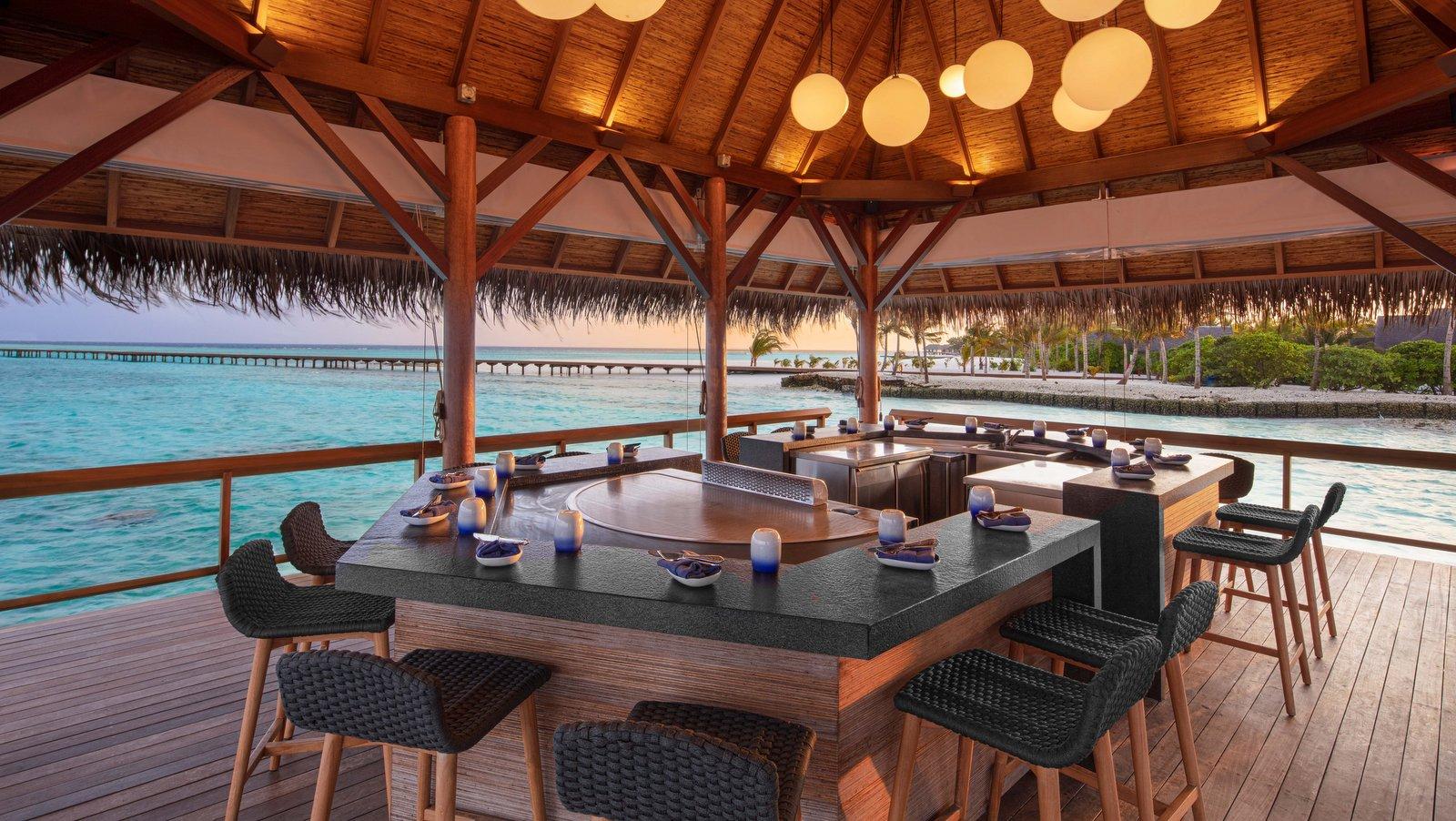 Мальдивы, отель Heritance Aarah, ресторан Hathaa