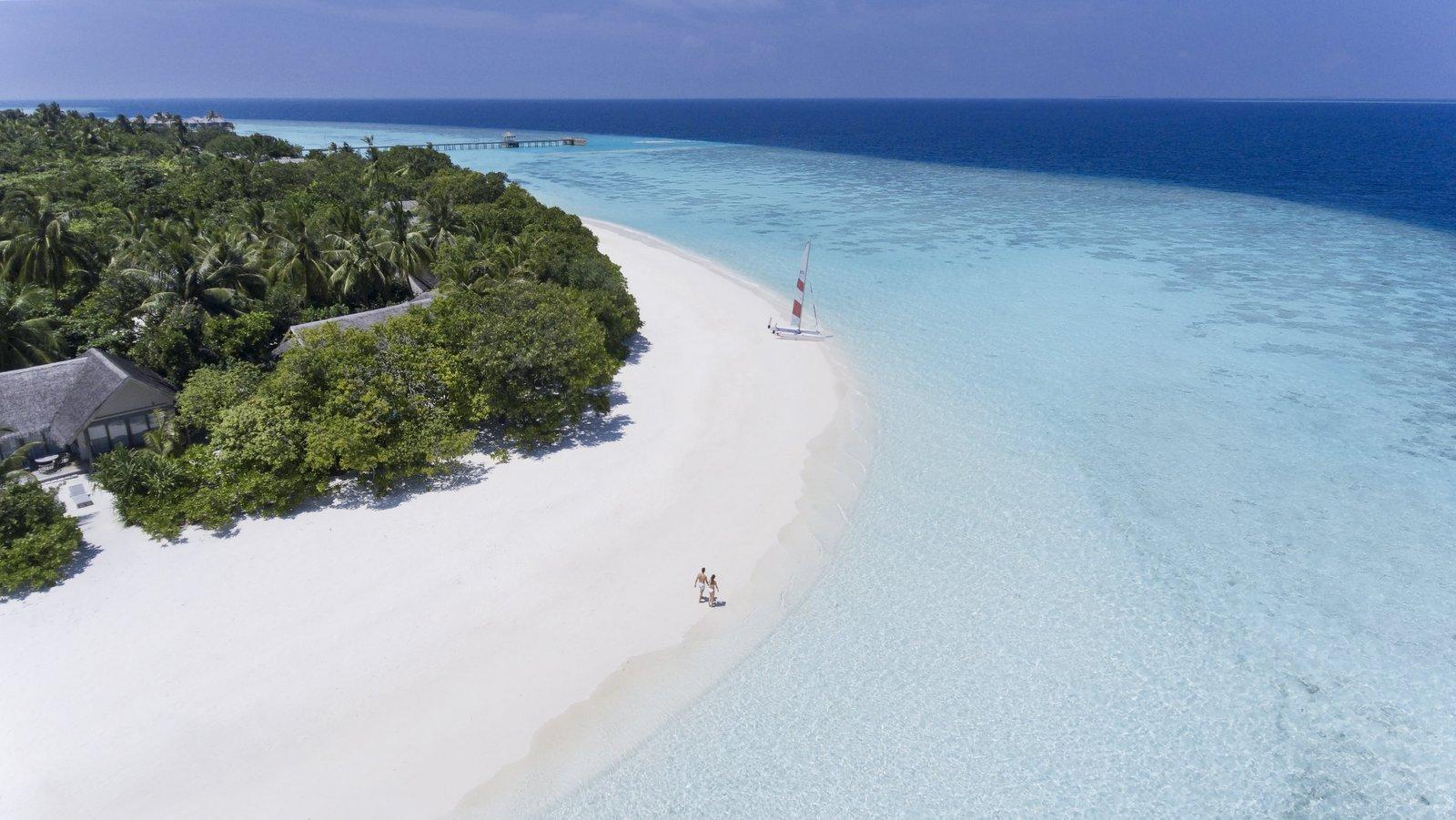 Мальдивы, отель Vakkaru Maldives, пляж