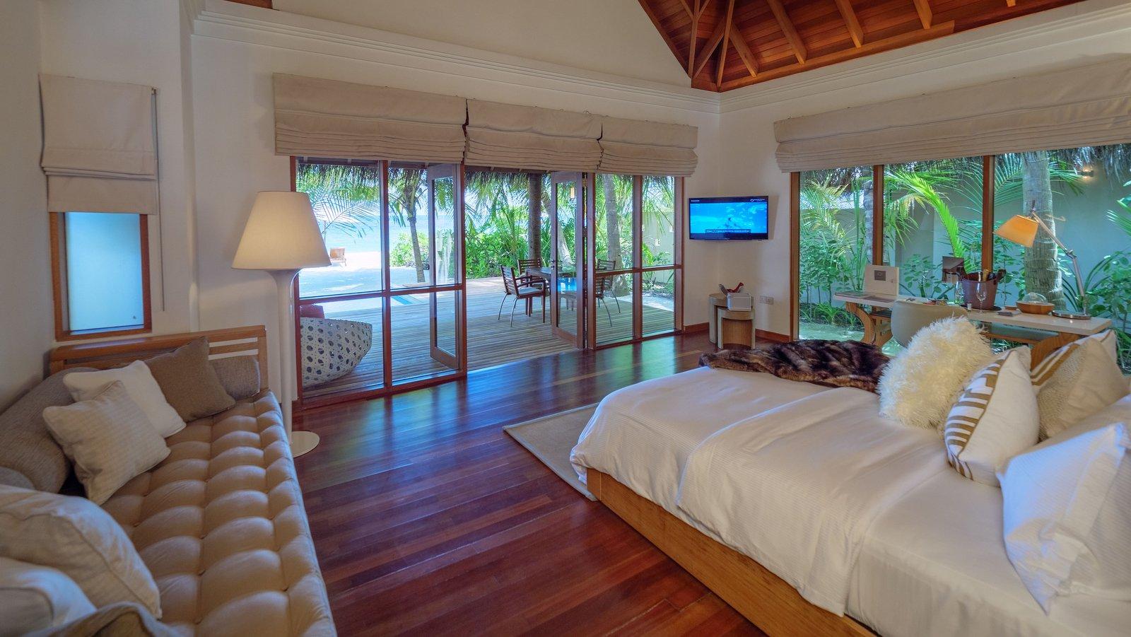 Мальдивы, отель Huvafen Fushi Maldives, номер Deluxe Beach Bungalow with Pool