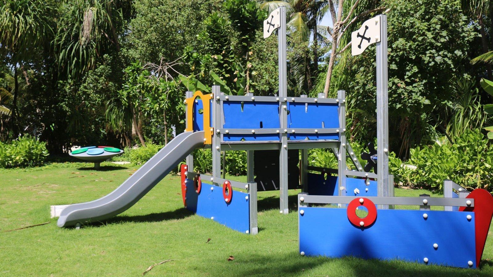 Мальдивы, отель The Residence Maldives at Dhigurah, детский клуб
