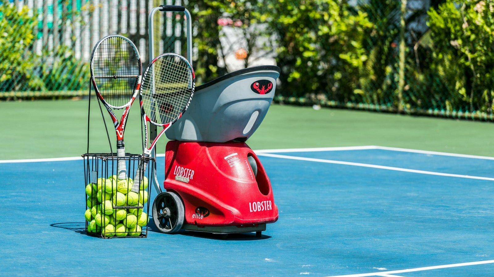 Мальдивы, отель Lily Beach Resort, теннис