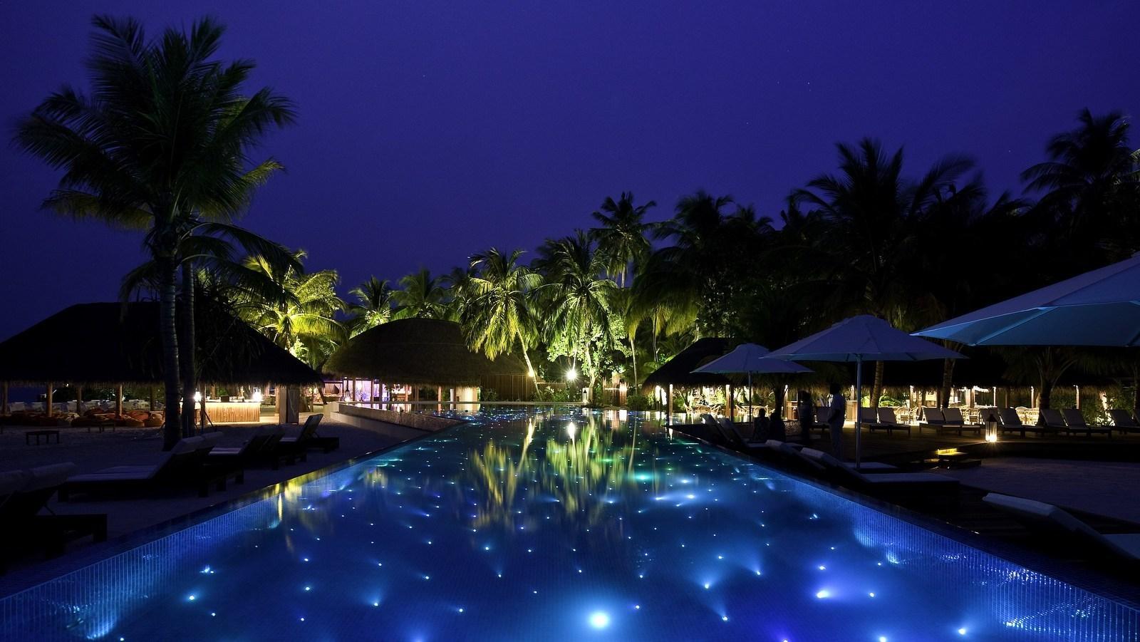 Мальдивы, отель Kuramathi Maldives, детский клуб, бассейн