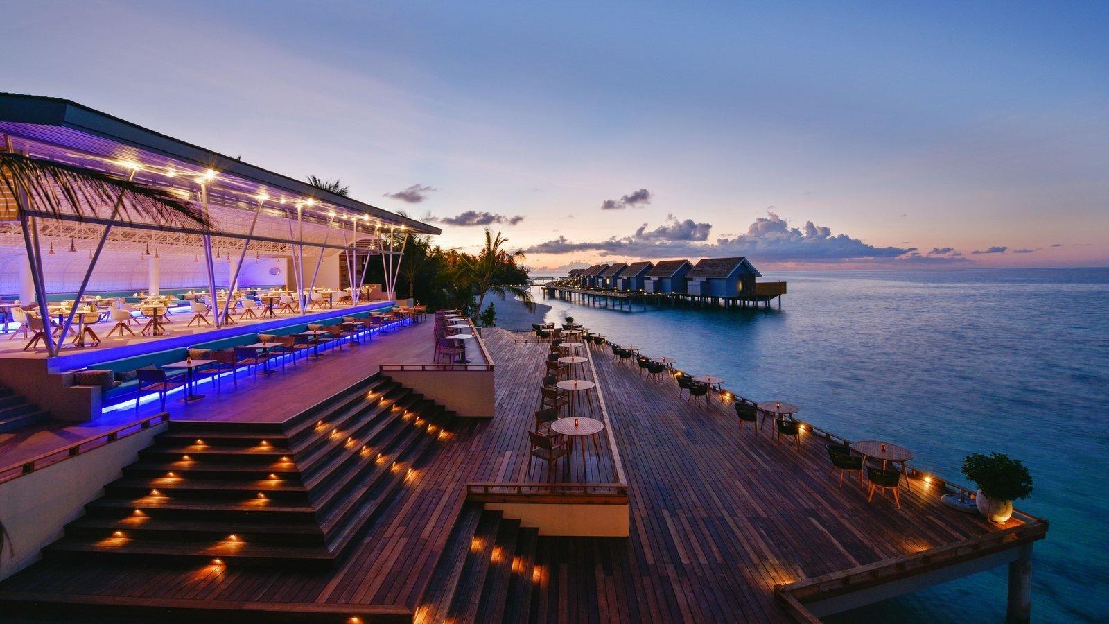 Мальдивы, отель Kuramathi Maldives, ресторан Inguru