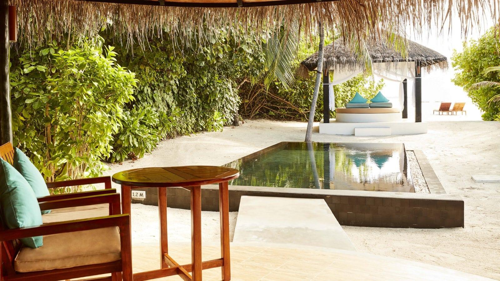 Мальдивы, отель Sun Siyam Iru Fushi, номер Deluxe Beach Villa with Pool