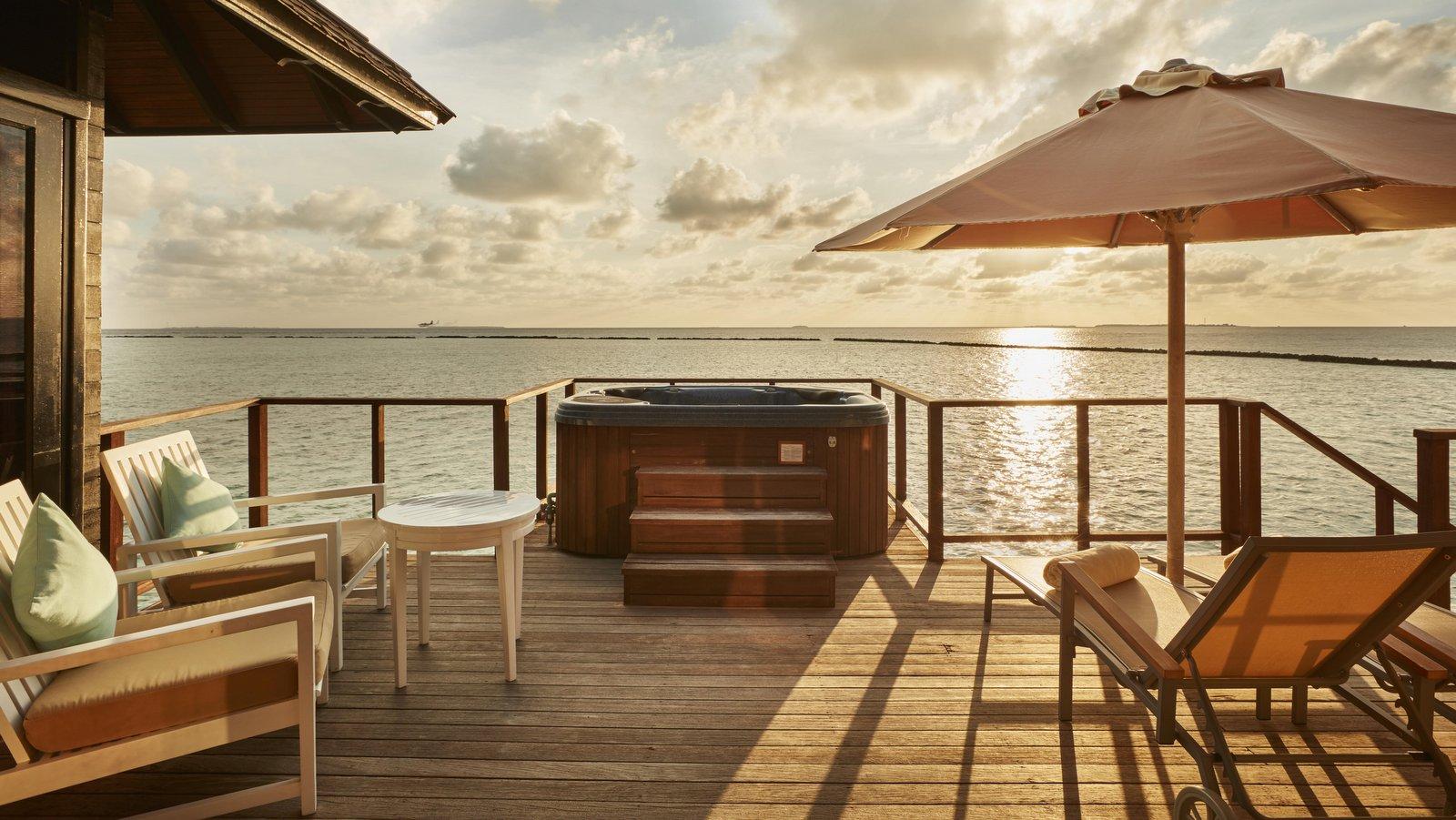 Мальдивы, отель Sun Siyam Iru Fushi, номер Horizon Water Villa