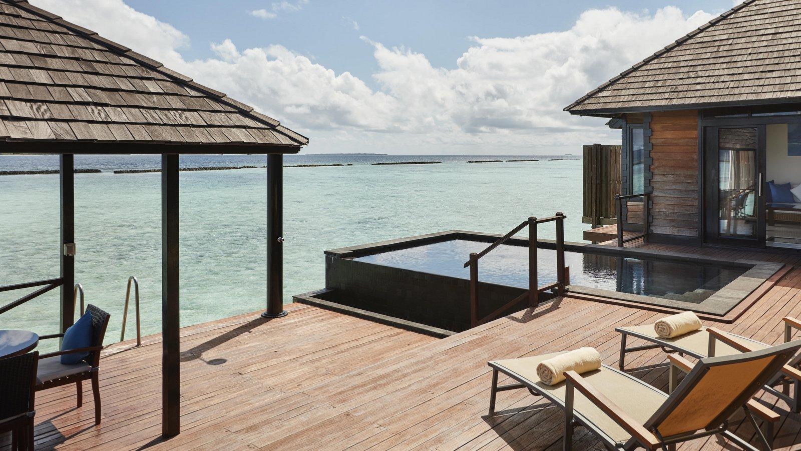 Мальдивы, отель Sun Siyam Iru Fushi, номер Infinity Water Villa